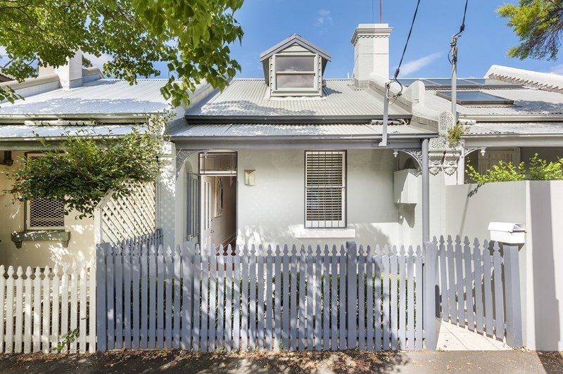 Serene & private 3 bedroom terrace on Harris Street Balmain