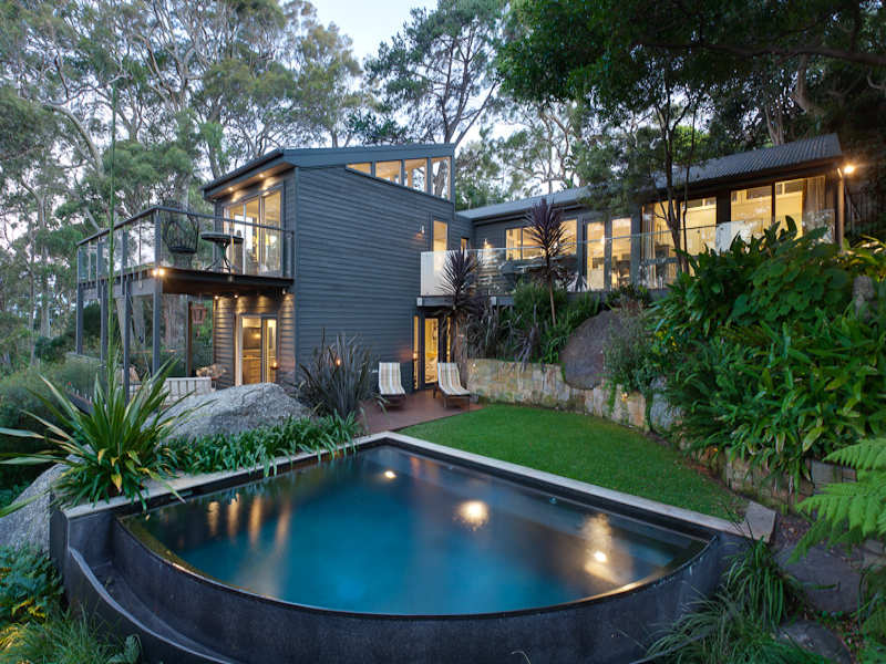 Contemporary Coastal Home in Avalon on Sydney's Northern Beaches